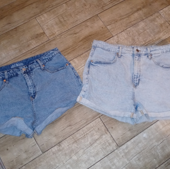 2 pairs Wild Fable Womans size 14 jean shorts